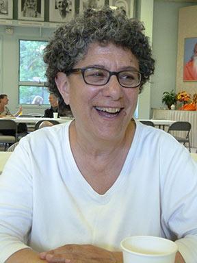 Friends of Aloka Vihara co-founder Mindy Zlotnick